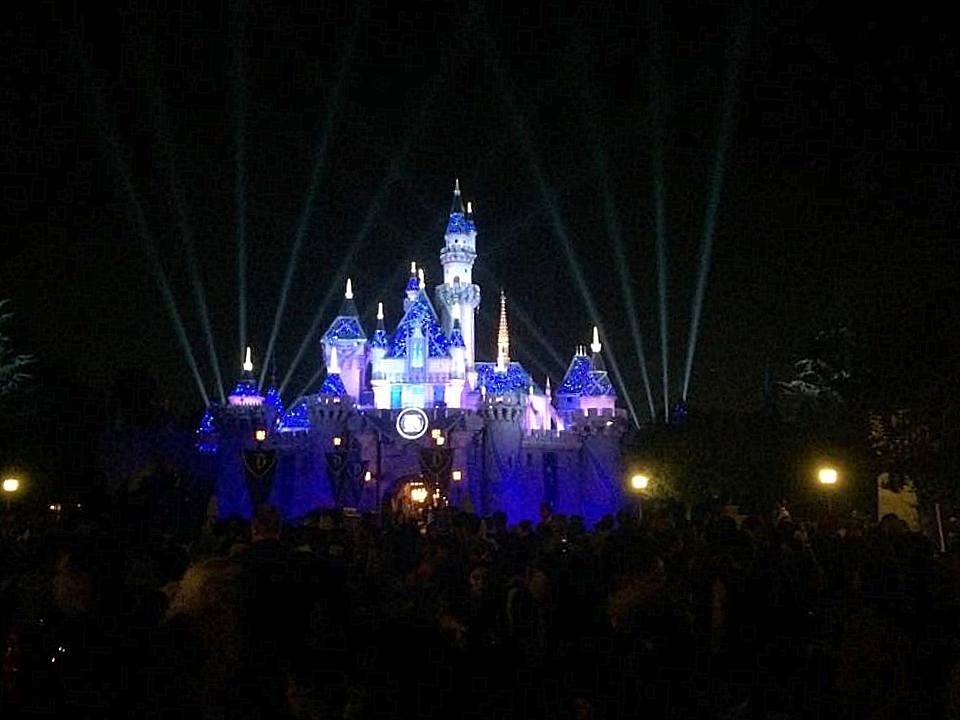 The castle is gorgeous at night.